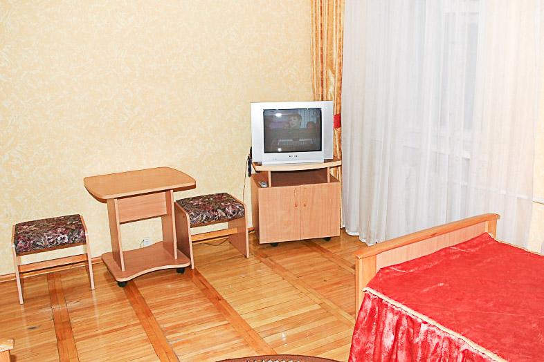 Фотография телевизора старого двухместного номера 1 категории