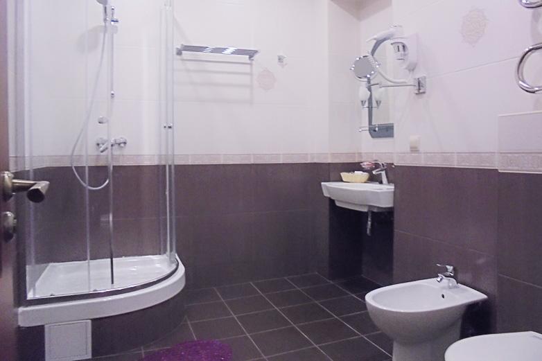 Фотография ванной комнаты номера Люкс