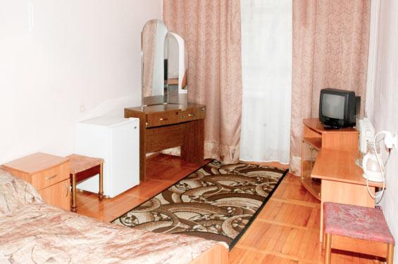 Фотография комнаты одноместного номера 3 категории с удобствами